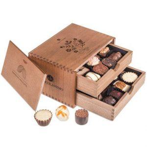 Bonboniéra v dřevěné krabičce s gravírováním