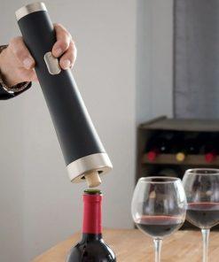 Elektrický otvírák na víno s nožíkem na fólie