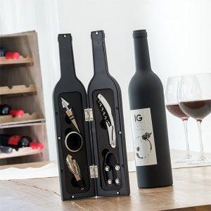 Dárkový set na víno ve tvaru láhve