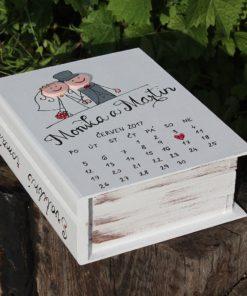 Svatební dar -svatební dřevěná kniha PAN A PANÍ