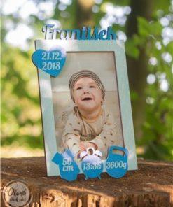Rámeček k narození miminka s údaji o narození dole