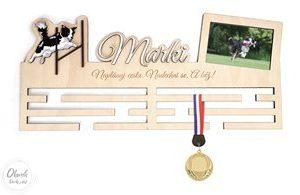 Věšák na medaile se čtyřnohými přáteli - Agility