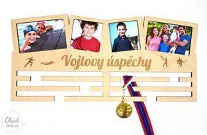 dárek pro syna sportovce -věšák na medaile v podobě čtyřrámečku s více sporty