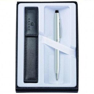 pero s gravírováním v dárkové krabičce