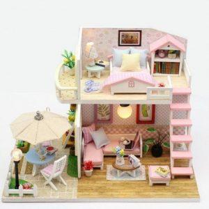 domeček pro panenky dřevěný