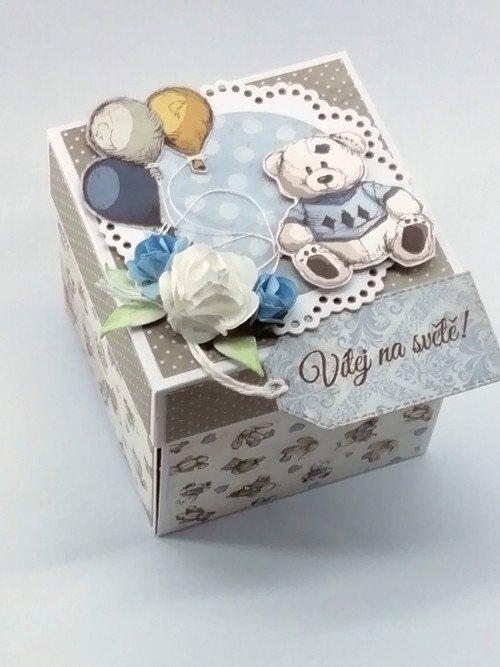 Ručně dělaná krabička pro miminko