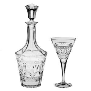 luxusní karafa na víno se skleničkami